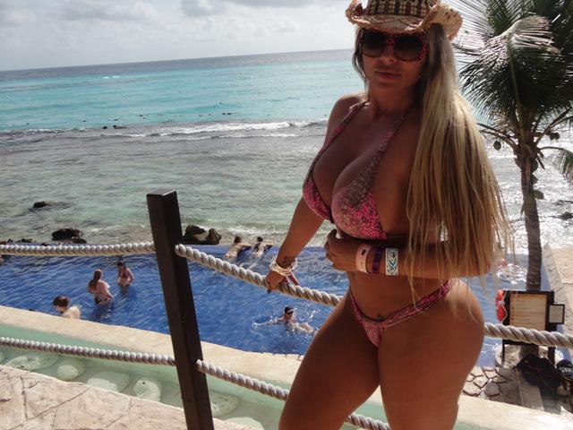 Sabrina Boing-Boing em Cancún no México (Foto: Divulgação / AG Famosos )
