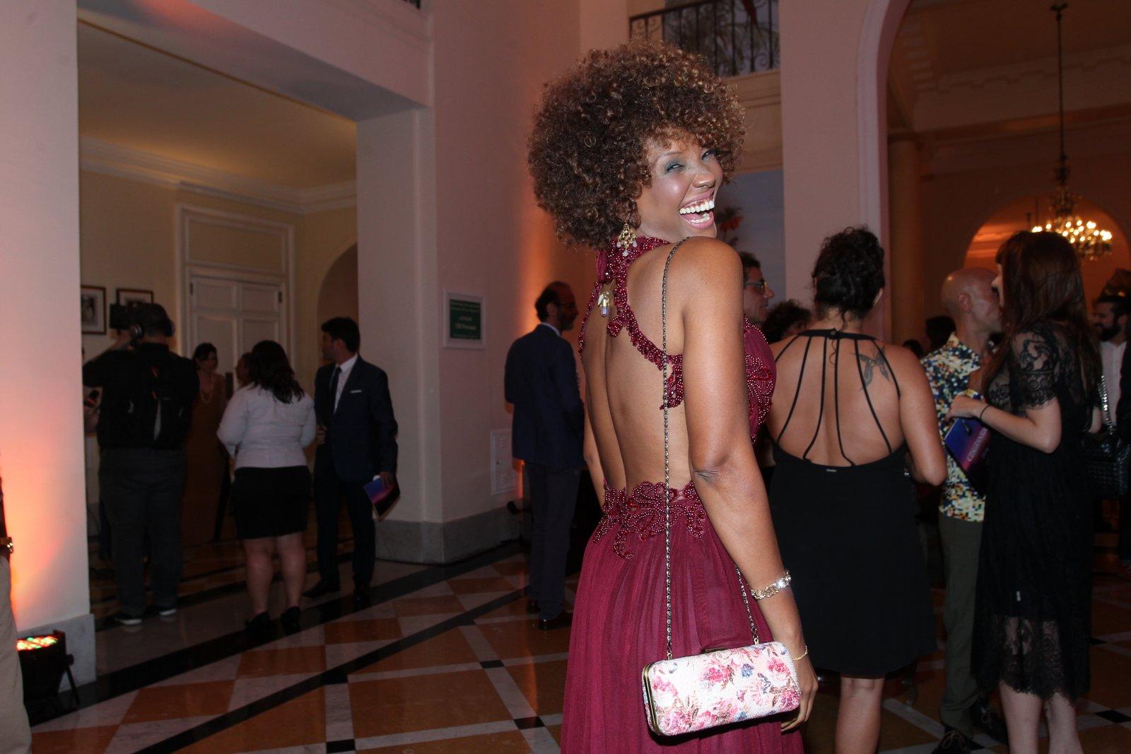 Isabel Fillardis em prêmio de teatro na Zona Sul do Rio