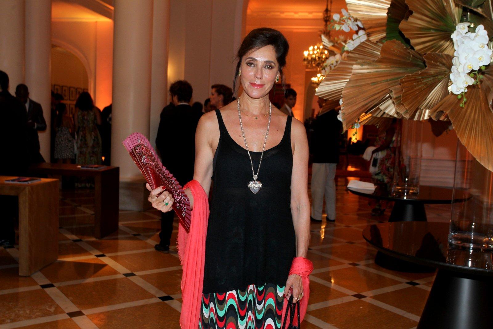 Christiane Torloni em prêmio de teatro na Zona Sul do Rio