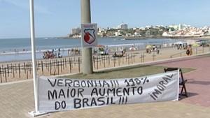 Protesto contra salário de vereadores em Guarapari (Foto: Reprodução/TV Gazeta)