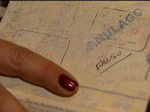 deportados Espanha-Bahia (Foto: Ida Sandes/G1)
