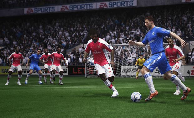 Ivanovich apresenta um bom controle de bola em 'Fifa 11'.