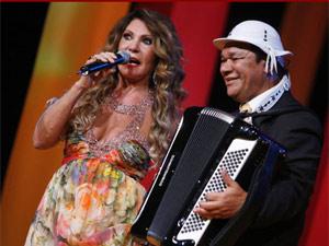 Elba Ramalho e Dominguinhos em um prêmio de música em 2008 (Foto: Felipe Panfili / G1)
