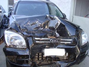 Kia Sportage após acidente; neste caso, airbags não abriram