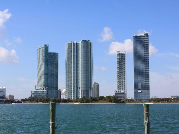 Torres do Biscayne Bay 900, em Downton, Miami.
