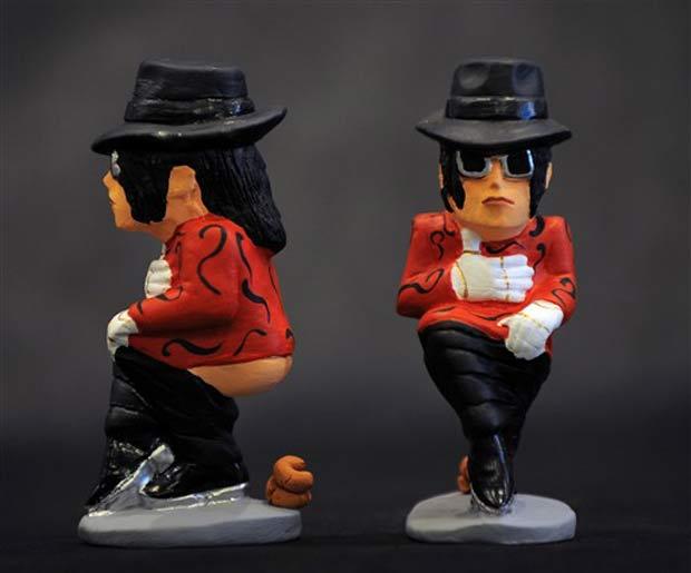 O cantor Michael Jackson também ganhou sua réplica.