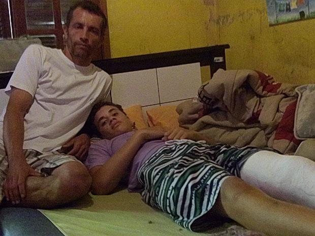 Pedro espera poder jogar futebol quando se recuperar da fratura