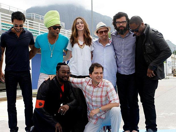 Atores e dubladores de 'Rio', em evento na cidade (Foto: AGgNews)