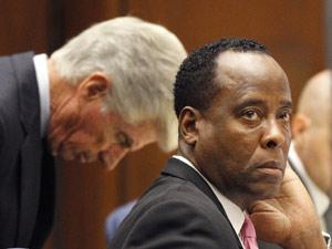 O médico Conrad Murray durante julgamento (Foto: AP)