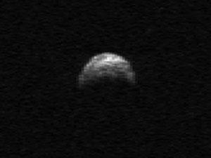 Asteroide 2005 YU55, em imagem de 2010 (Foto: NASA/Cornell/Arecibo)