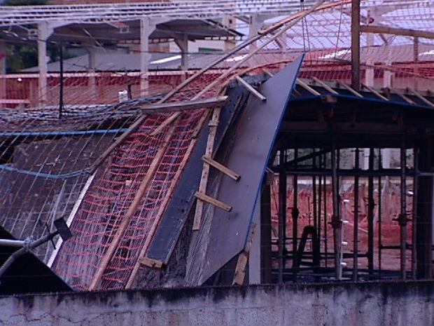 Laje que caiu (Foto: Reprodução/TV Gazeta)