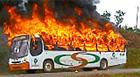 Grupo depreda 26 ônibus  em protesto (Reprodução)