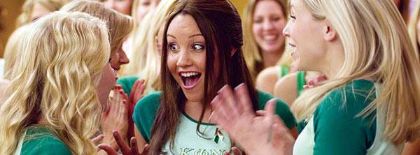 Sidney (Amanda Bynes) descobre que o grupo de meninas da fraternidade Kappa não é nada do que imaginava (Foto: Reprodução)
