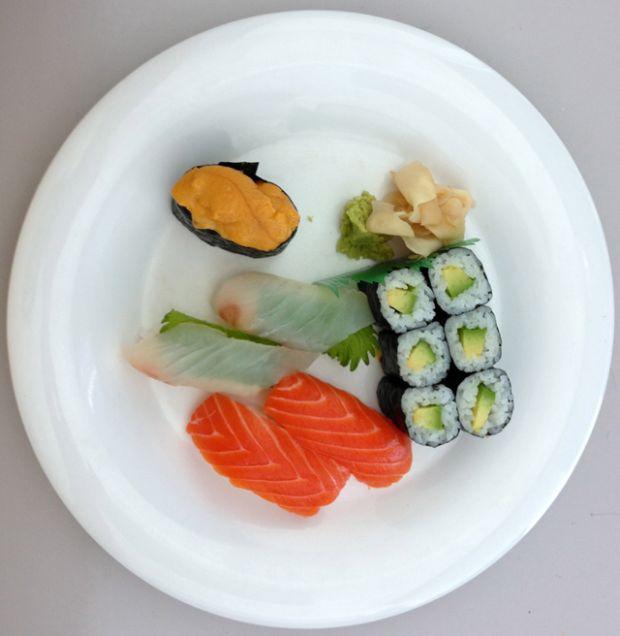 Foto de comida japonesa, supostamente tirada de um iPhone 5 (Foto: Reprodução)