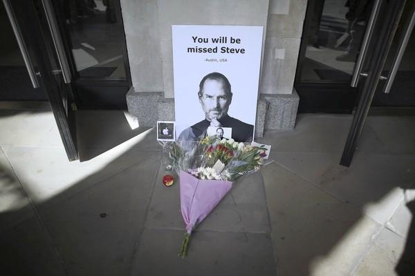 Você fará falta, Steve. Londres, Inglaterra (Foto: Peter Macdiarmid, Getty Images)