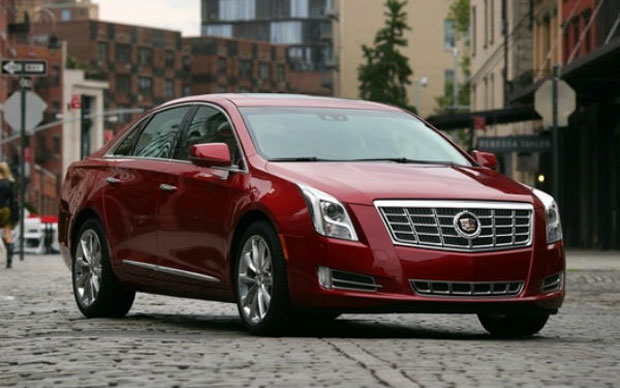 Cheia de tecnologia, a interface CUE estreia no modelo 2013 do Cadillac XTS (Foto: Reprodução)