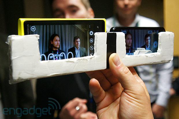Os aparelhos foram colocados lado a lado, literalmente, no comparativo (Foto: Reprodução) (Foto: Os aparelhos foram colocados lado a lado, literalmente, no comparativo (Foto: Reprodução))