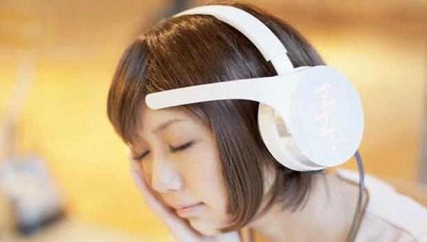 Phone de ouvido escolhe músicas de acordo com humor do usuário (Foto: Reprodução / ufunk) (Foto: Phone de ouvido escolhe músicas de acordo com humor do usuário (Foto: Reprodução / ufunk))