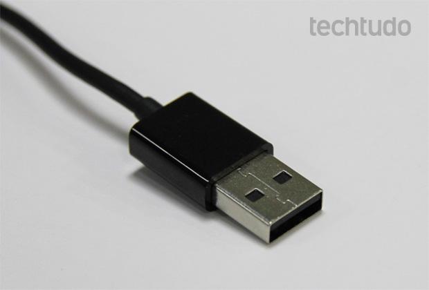 Cabo USB (Foto: Isadora Díaz/TechTudo)
