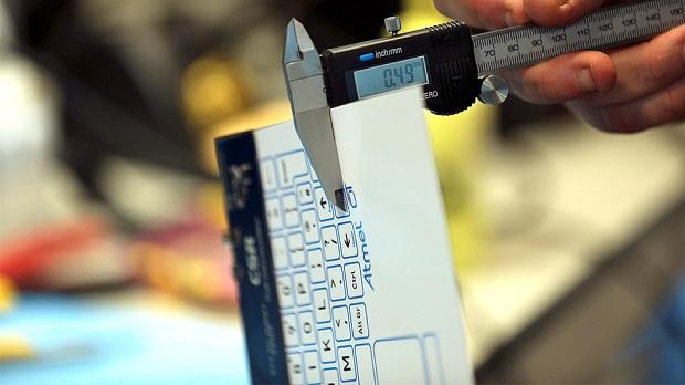 Teclado não mede nem 0,5 mm de espessura (Foto: Reprodução/Gizmodo)