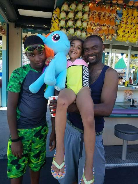 Ronell Foster (right), shown with his two chldren, was shot to death by a Vallejo police officer in February 2018.