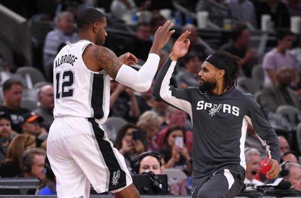 Murray, Spurs knock down Knicks to kick off season