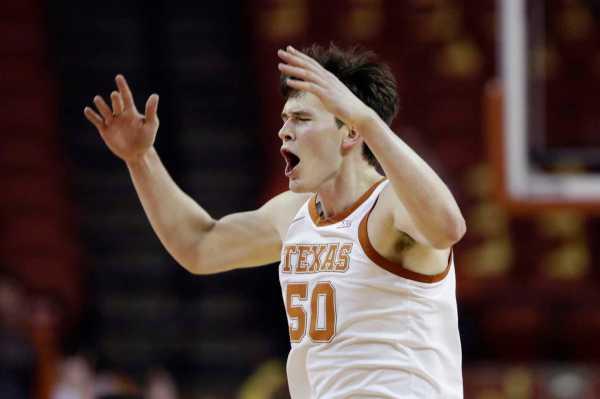 Freshman Will Baker rains 3s on TCU as Texas snaps 4-game losing streak