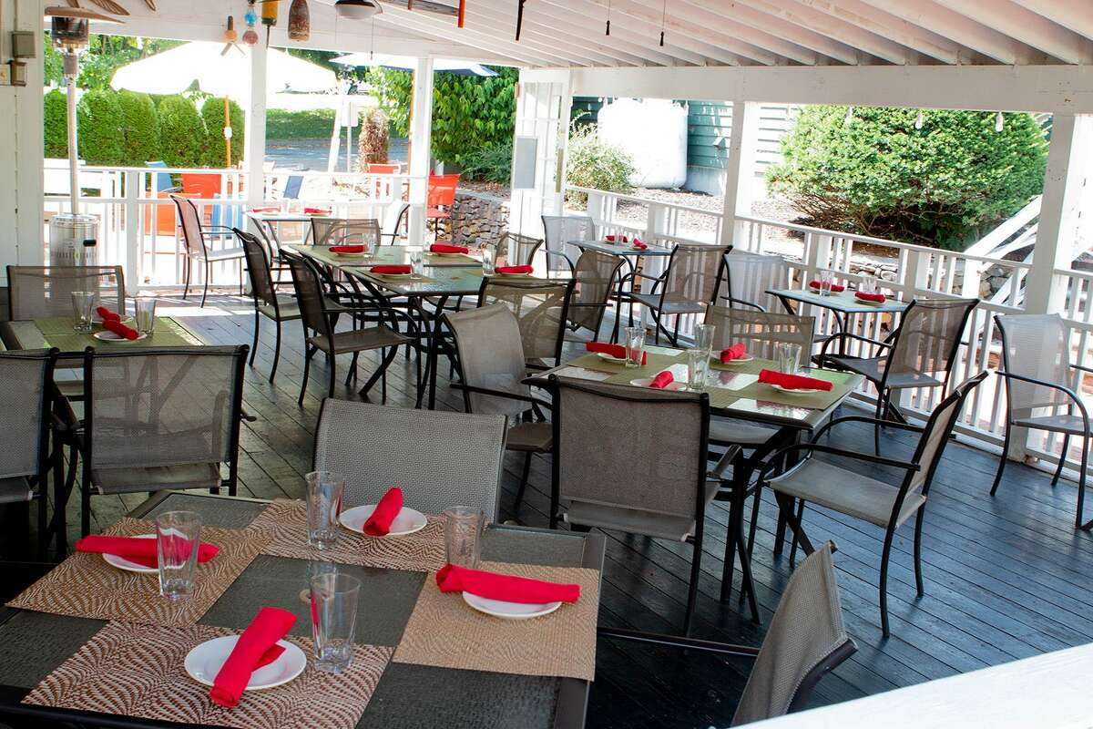 warm outdoor dining in connecticut
