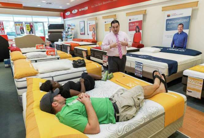 Mattress Firm At 2071 Westheimer Ste C Assistant Manager Alejandro Guerra In