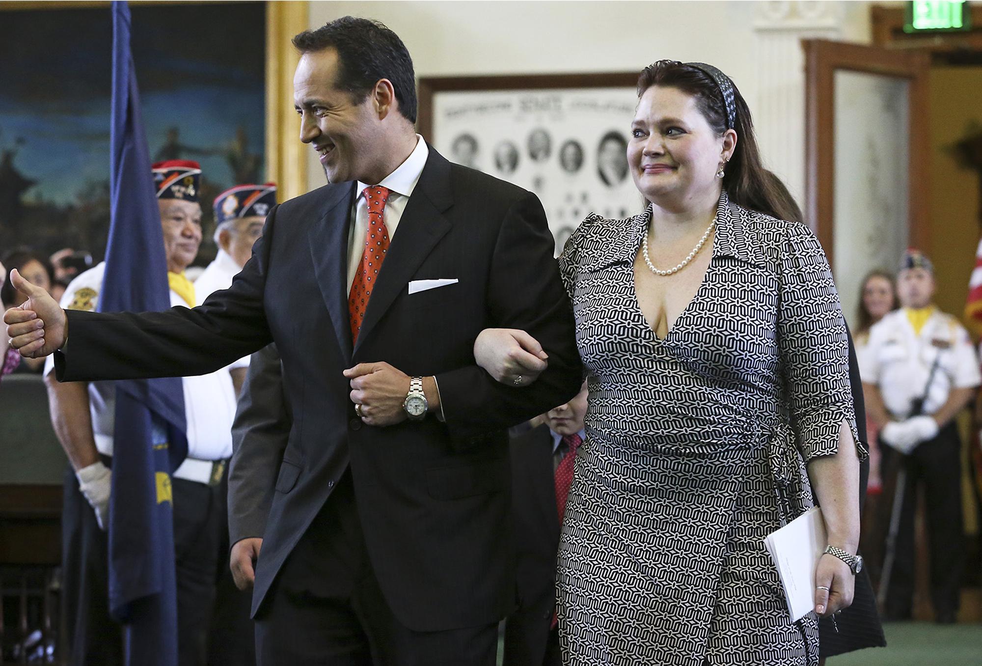 Jose Menendez Becomes San Antonio S Newest Senator