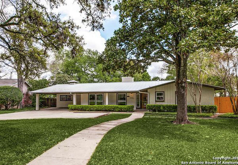 12 Mid-century San Antonio Homes For Sale That Snap 'Mad