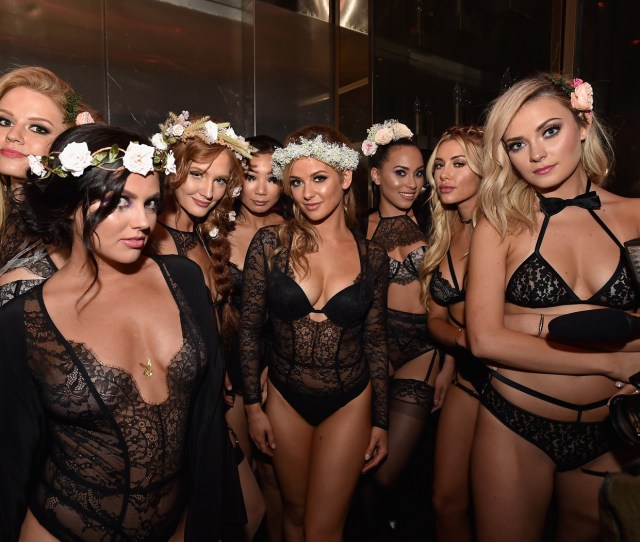 Playboys Sexy Midsummer Nights Dream Party Lights Up Las Vegas Despite Past Controversies San Antonio Express News