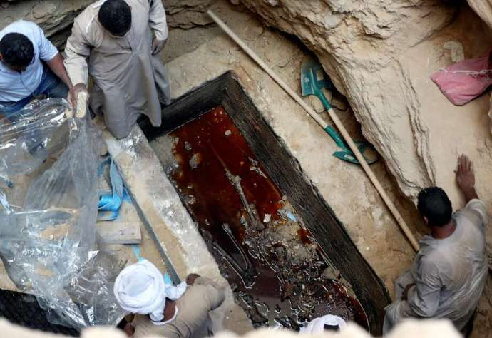 Egyptian archaeologists opened a mysterious 2,000-year-old sarcophagus discovered in the port city of Alexandria earlier this month. Photo: REUTERS / Mohamed Abd El Ghany