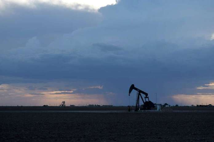 A pumpjack in Midland, Texas, on August 24, 2018. Photo: Bloomberg Photo by Callaghan O & # 39; Hare. / © 2018 Bloomberg Finance LP