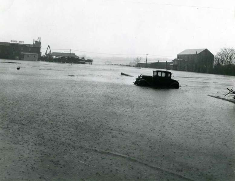 Great Hurricane of  38 took Greenwich by surprise   GreenwichTime A photo of a flooded Steamboat Road looking south toward the ferry boat  dock on Greenwich
