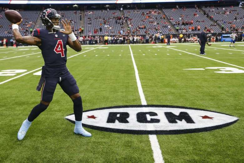 <p>Houston Texans quarterback Deshaun Watson warms up before an NFL football game against the Cleveland Browns at NRG Stadium on Sunday, Dec. 2, 2018, in Houston.</p>