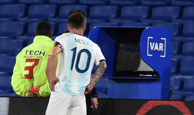 VAR owners demand to stop using technology immediately