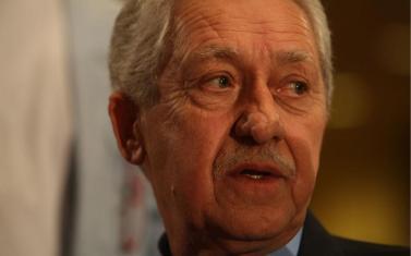Ο κ. Κουβέλης αρνήθηκε πρόταση όλων(!) των βουλευτών του να αποχωρήσει από την προεδρία.
