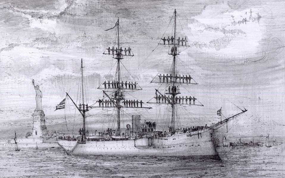 Το εύδρομο «Ναύαρχος Μιαούλης» μπαίνει στο λιμάνι της Νέας Υόρκης, 14 Σεπτεμβρίου 1900. Πίσω του διακρίνεται το άγαλμα της Ελευθερίας. «...το μεσημέρι το σκάφος αναχώρησε από το Άγαλμα της Ελευθερίας, όπου είχαμε προσωρινό ορμητήριο, και αγκυροβολήσαμε στην αποβάθρα που βρίσκεται μπροστά από τον 35ο δρόμο της Νέας Υόρκης...» (από το ημερολόγιο του αξιωματικού του «Μιαούλη», Ανθυποπλοίαρχου Βασιλείου Καψαμπέλη).
