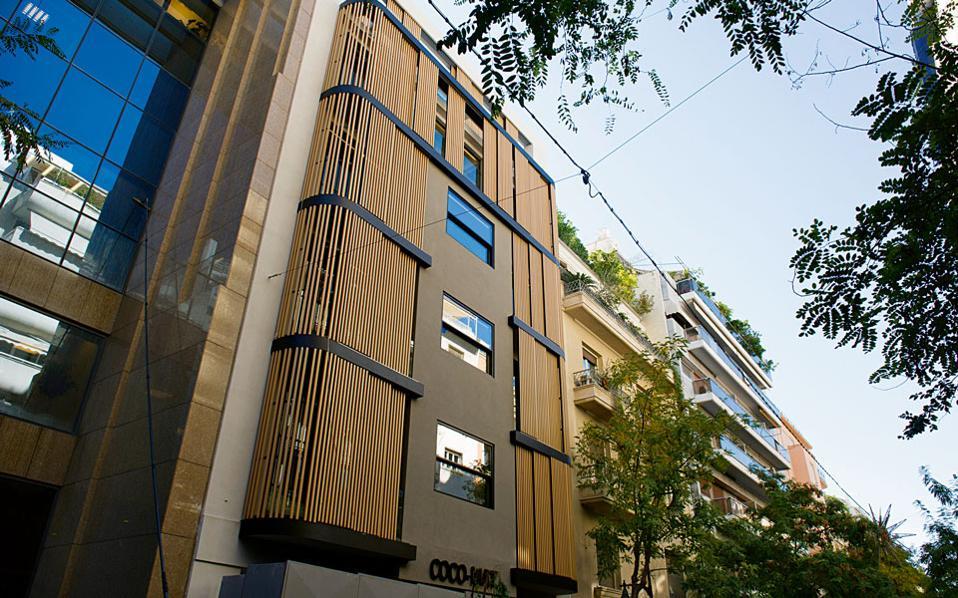 Το δεύτερο ξενοδοχείο της εταιρείας Coco-mat αποκάλυψε πριν από λίγες ημέρες την όψη του στο νούμερο 36 της οδού Πατριάρχου Ιωακείμ.