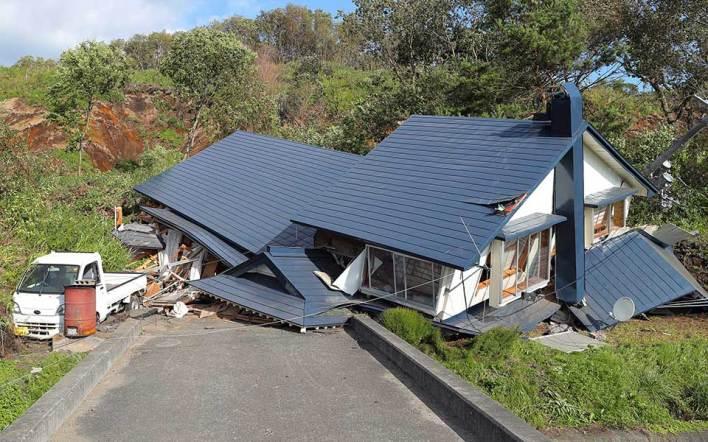 Ιαπωνία: Οκτώ νεκροί, δεκάδες αγνοούμενοι μετά τον σεισμό των 6,7 βαθμών