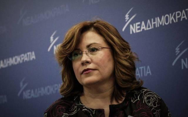 Σπυράκη: Η κυβέρνηση παίρνει 10, γυρίζει πίσω 1
