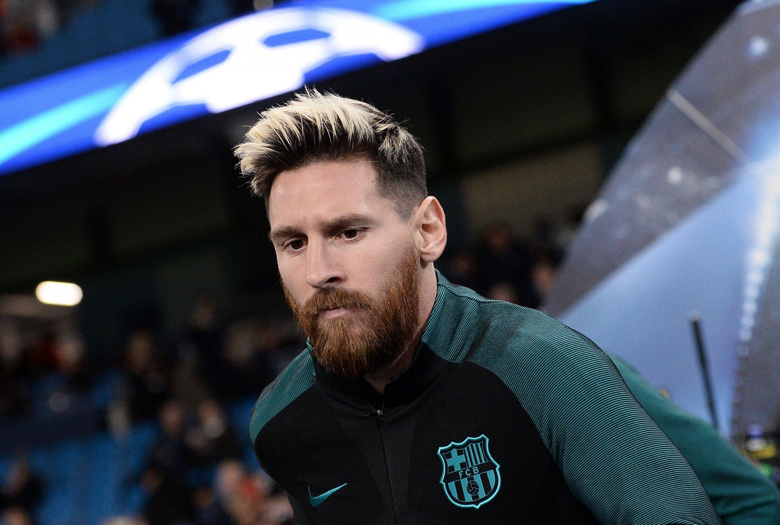 Lionel Messi Barcelona Star Involved In Tunnel