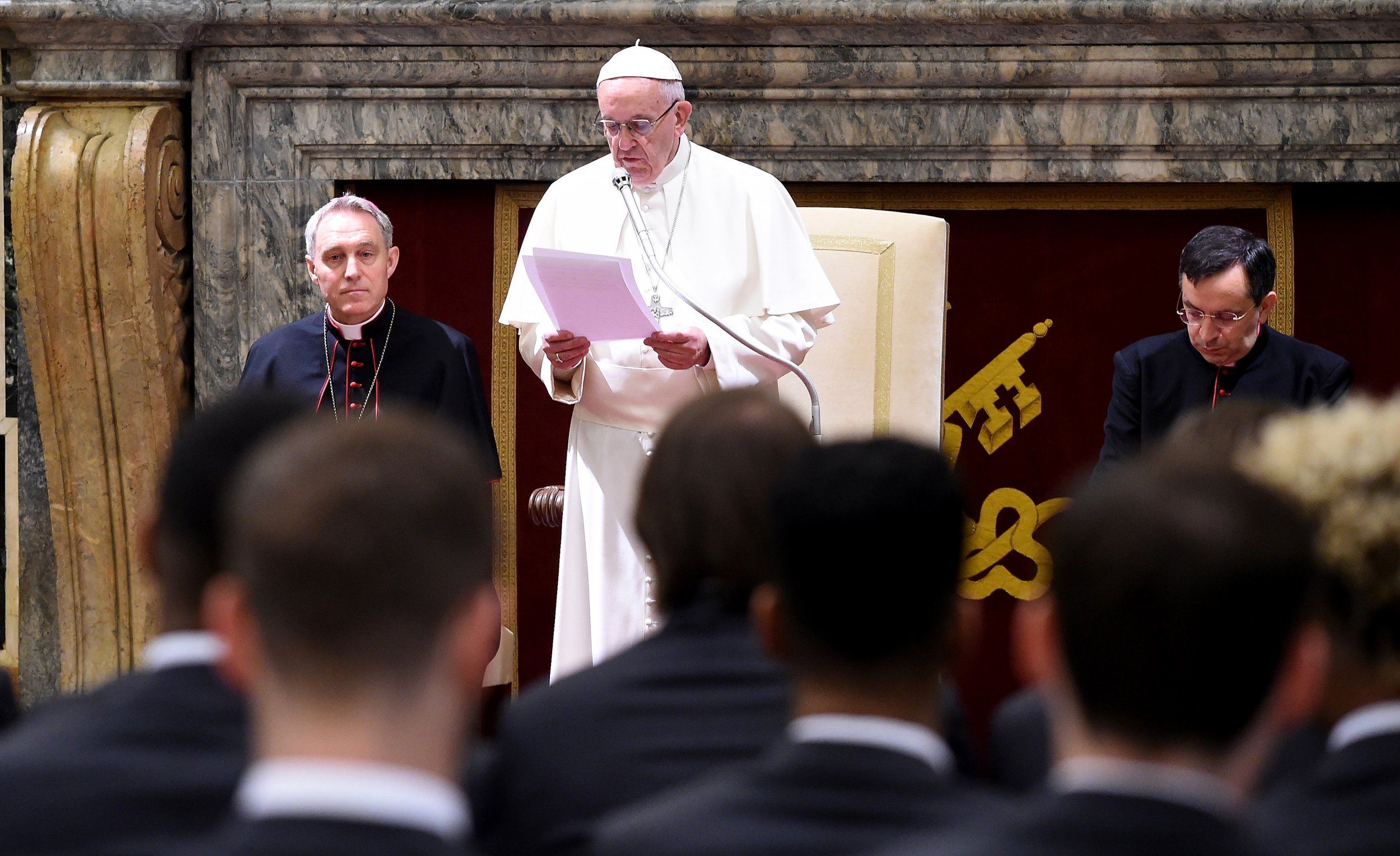 Watch Pope Francis Live From Vatican Easter Mass Holy Saturday Vigil