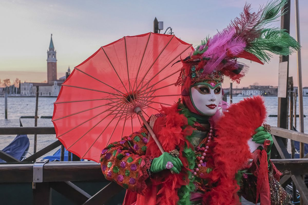 Carnival In Venice 2019 Great Photos Of Masked Revelers