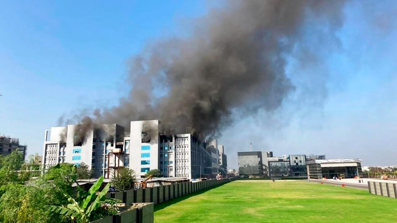 india police probe deadly blaze at