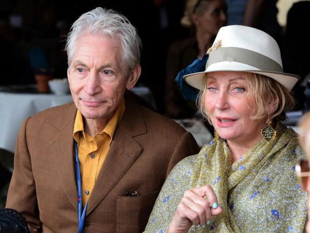Charlie Watts y su esposa, Shirley, durante una venta de caballos árabes en Polonia el 12 de agosto de 2012