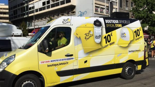 The traveling shop moves from start to finish, following the course of the race.