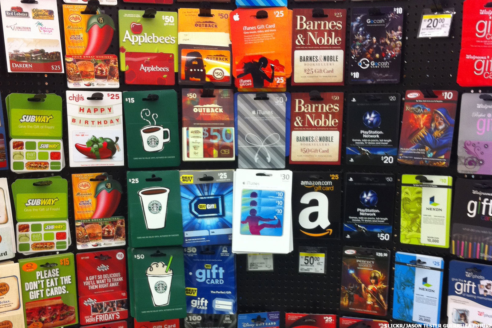 9 Holiday Gift Cards That Give You Something For Nothing
