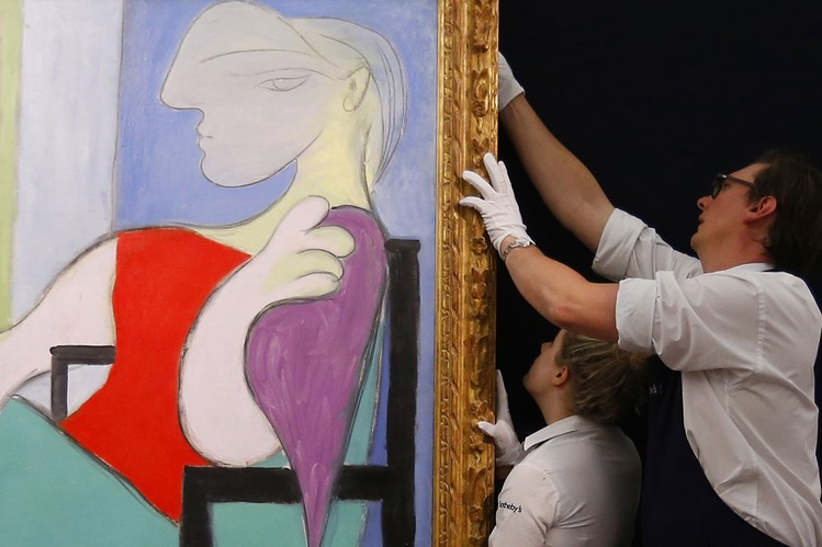 AHEAD OF THE TAPE: Sotheby's Shares Paint Deflated Landscape - WSJ